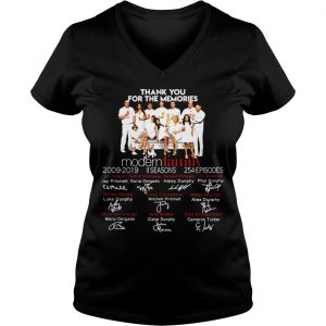 Thank you for the memories Family shirt Ladies V-Neck