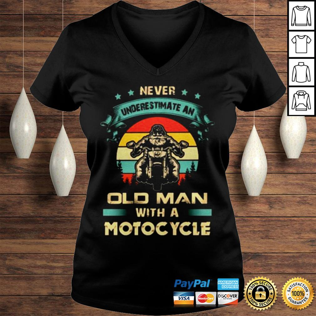 Never underestimate an old man with a Motorcycle vintage shirt Ladies V-Neck